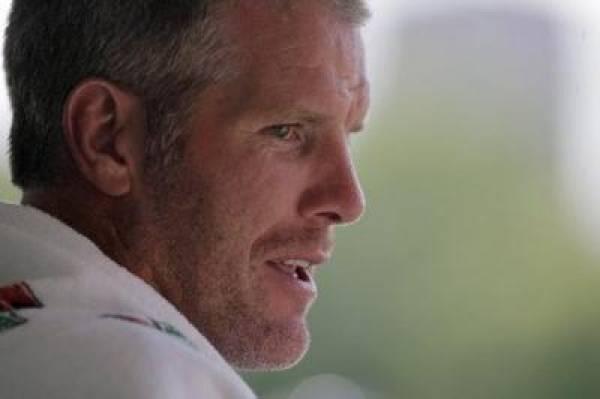 Brett Farve Vikings Odds