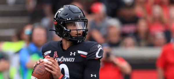 Cincinnati Bearcats Not Favored to Reach College Football Playoff in 2021-22
