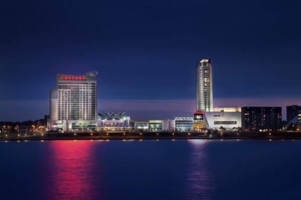Caesar's Canada Casino Poised for Strike
