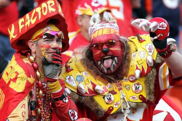 Where to Bet the Titans-Chiefs Wildcard Playoff Game Online - Latest Line