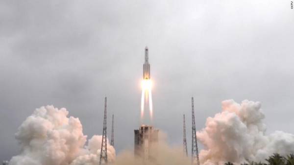 Chinese Rocket Debris Lands in Indian Ocean at 1-3 Odds