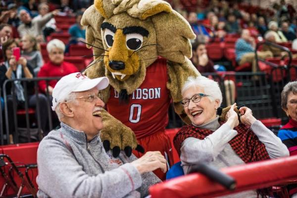March Madness Picks Against The Spread 2018 Sweet 16: Davidson Win Against Kentucky