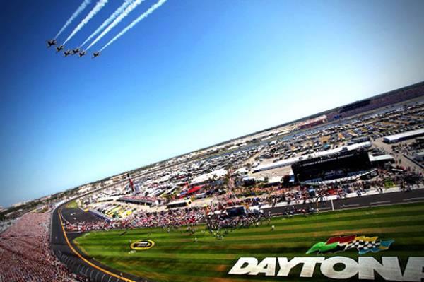 Kurt Busch, Kyle Busch Odds to Win 2016 Daytona 500