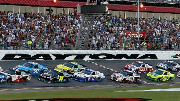 Daytona 500 Betting Odds, Predictions – 2016