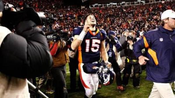 Broncos vs. Patriots Line Opens at -13.5 New England