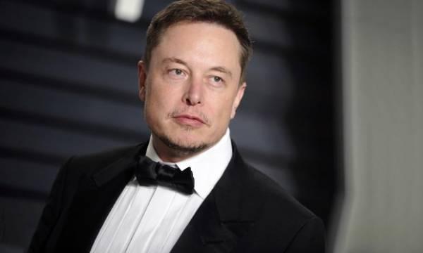 "Elon Musk Dubs Himself the ""Dogefather"" for SNL Promo Tweet"