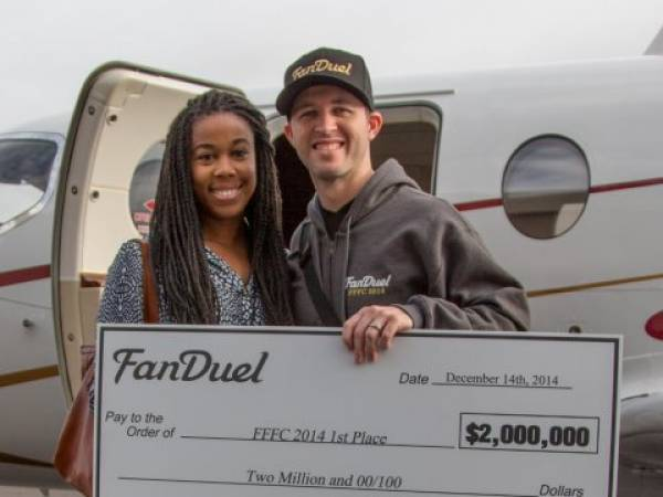 33-Year-Old Turns $35 Into $2 Million at 2014 Fantasy Football Championship