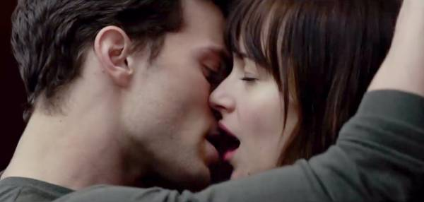 Fifty Shades of Grey Odds: Edinburgh Castle Favored to be First Locale for Publi