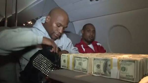 Floyd Mayweather Jr Bets $10 Million on Broncos to Win Super Bowl:  Fact or Fict