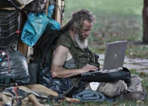 Homeless online poker pro