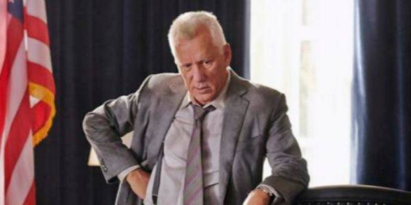 James Woods to Twitter: 'Man Up and Slit My Throat With a Knife, Don't Smother Me With a Pillow'