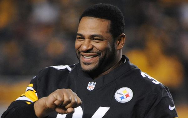 Modelo, Draftkings and Jerome Bettis Team Up for Beat Bettis Challenge