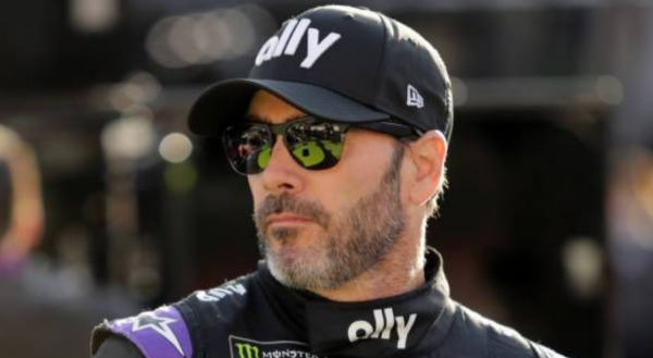 Jimmie Johnson Cleared to Race Sunday After 2 Negative Tests for Coronavirus