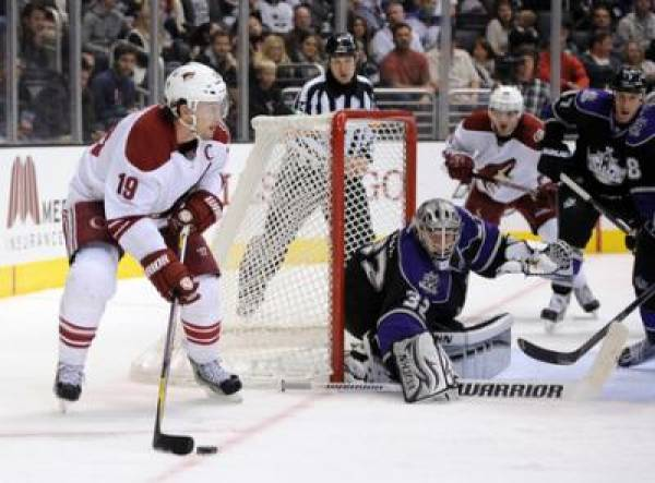 Kings vs. Coyotes Betting Line – Game One of the 2012 NHL Playoffs