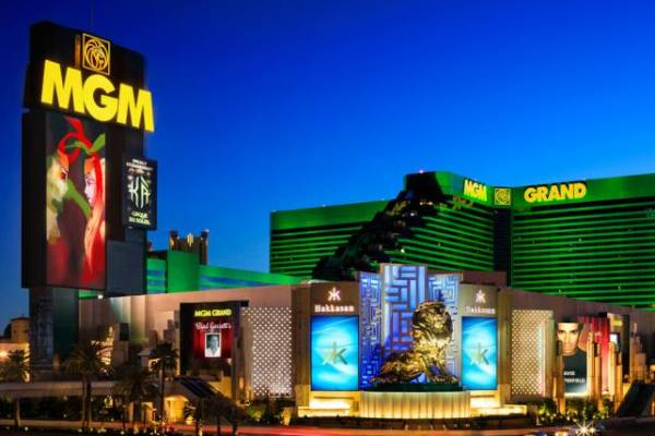 Las Vegas's Asian Counterpart Sinks Stock Prices
