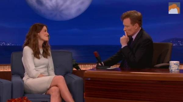 Why Michelle Monaghan had to Pass Up on Pot-Filled Poker Invite (Video)