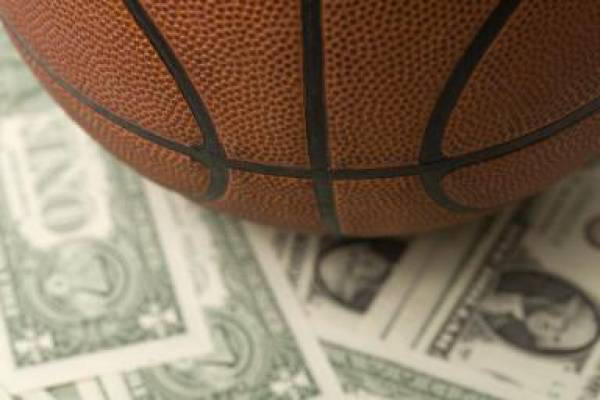 Spurs vs. Jazz Betting Line – February 25: Home Team 7-0 in Series