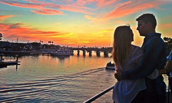 Where to Watch, Bet the Mayweather-McGregor Newport Beach, Long Beach, Anaheim