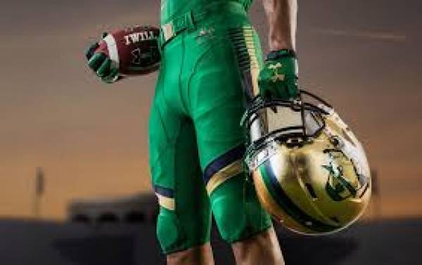 Notre Dame Fighting Irish Bookie News: Book to Start as QB Saturday