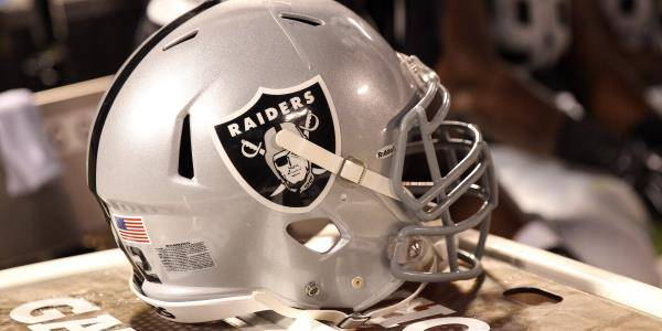 Books Get Clobbered by Eagles, Rams: Raiders See 67 Percent of Betting Action