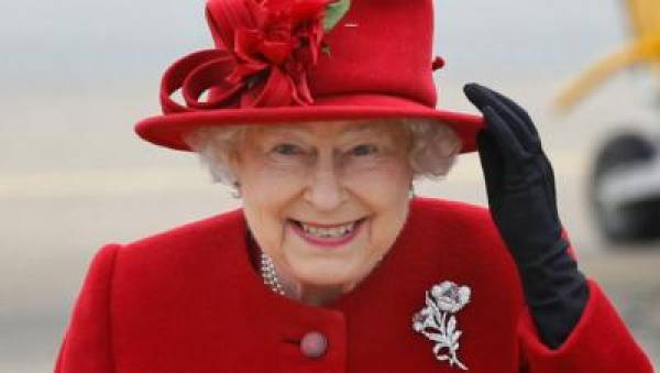 Odds on the color of the Queen's hat