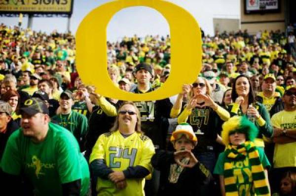 Stanford vs. Oregon Betting Line at -21.5 as Ducks Ranked Number One by AP Poll