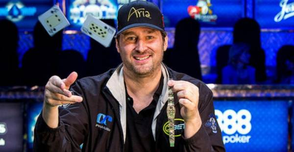 Phil Hellmuth Busts Out of Main Event