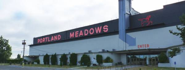 Portland Meadows Accused of Operating Illegal Poker Room, Could Lose License
