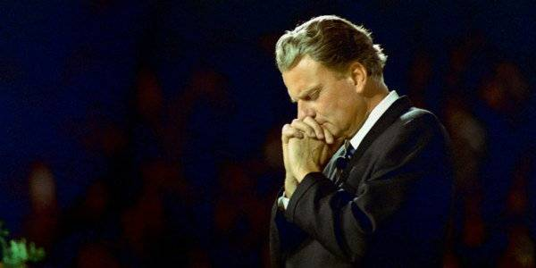 Billy Graham Passes Away at Age 99: Believed Gambling to be 'Deadly'