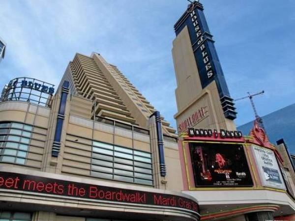 Showboat Casino Employees Protest Closing