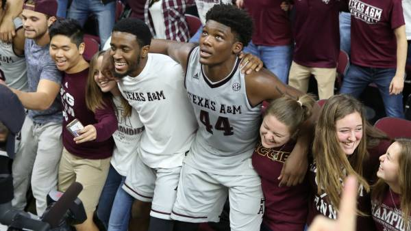Texas A&M-UNC Betting Line, Latest Odds