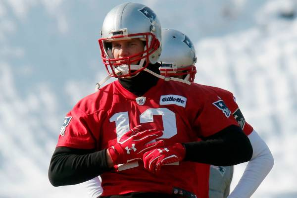 Brady Suffered Cut on Hand but No Impact on Betting