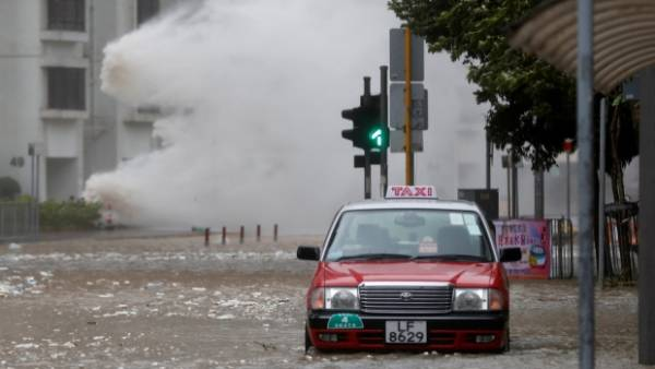 Typhoon Hato Batters Gambling Mecca of Macau