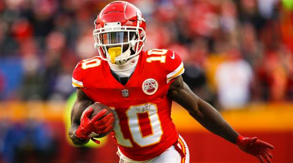 Bet on Tyreek Hill to Score a Touchdown vs. Broncos Thursday Night