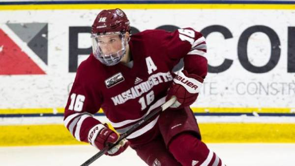What is the Payout if UMass Wins the 2021 NCAA Hockey Tournament Championship?