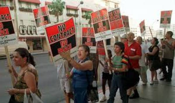 Union Negotiates With Smaller Vegas Casinos to Avoid Strike