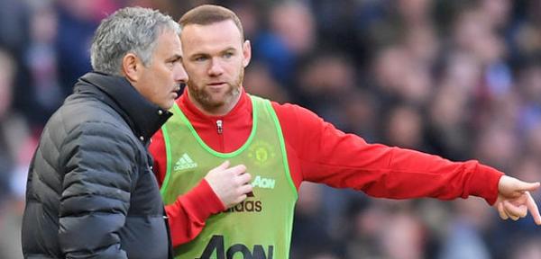 Online Bookies in UK Slash Odds on Wayne Rooney Move