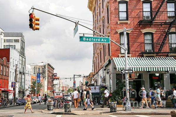 Where Can I Watch, Bet the Mayweather-McGregor Fight Williamsburg, Brooklyn