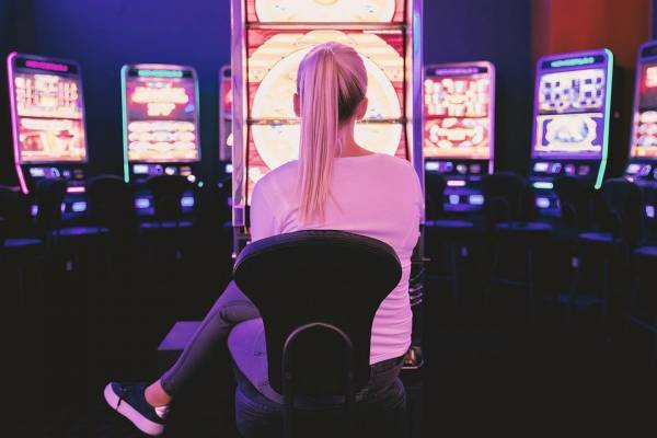 How Live Casinos Revolutionized The Online Casino Games Industry