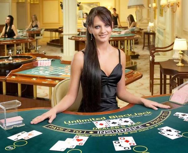 新推出的24/7實時真人在線賭場給您一種坐在賭場的感受