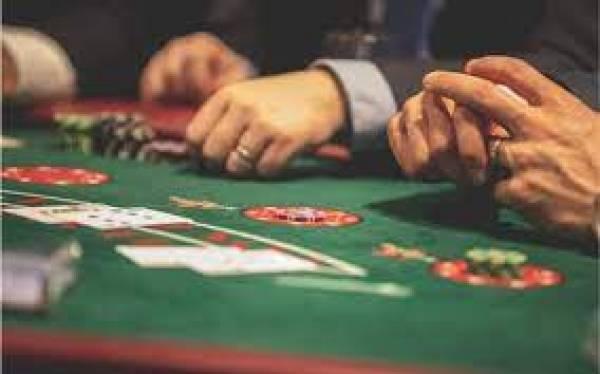 Casinos' Online Win Still Growing Despite Return of Gamblers