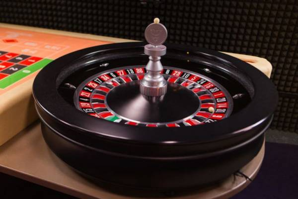 Apr 04, · Roulette players can enjoy football even when seated at a live Roulette table hosted by a real croupier.In this game, you can enjoy a few rounds of the classic Roulette game while you watch the latest football scores on your device screens that stream the live game of : Stephanie Regan.Taşköprü