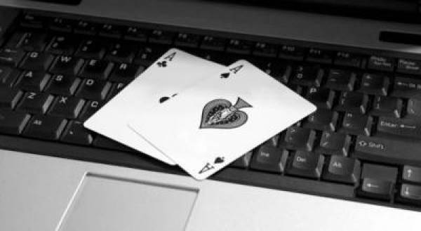 Internet Poker:  Expose One Card, Deal the Turn and River Community Cards Twice
