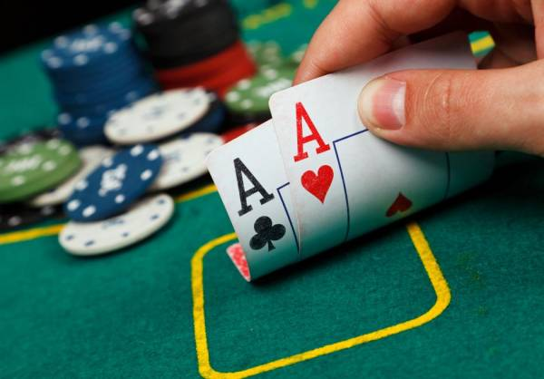 Where Can I Play Texas Hold'em Online From Florida?