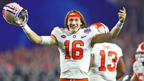 Bet the Total Number of Passing Touchdowns for Trevor Lawrence