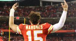 Chiefs Installed as Small Favorites Against 49ers