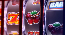 Important aspects you need to consider before gambling at online casinos