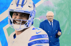 Prescott Signs Extension With Cowboys